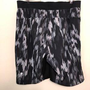 Lululemon Rock  Running Black Gray Camo Shorts XL